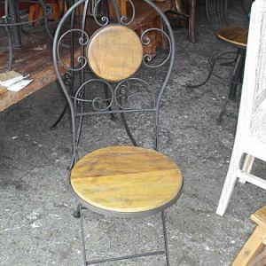 Cadeiras e banquetas